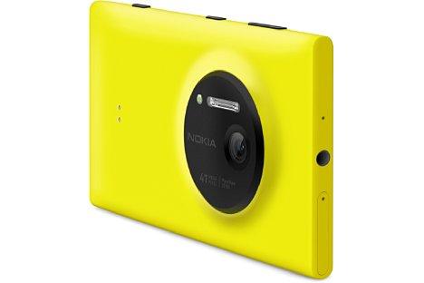 Bild Das Kameramodul des Nokia Lumia 1020 steht einige Millimeter aus dem Gehäuse hervor. [Foto: Nokia]