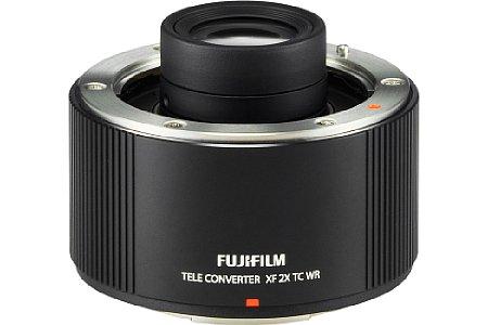Bild Der Telekonverter Fujifilm XF 2X TC WR verlängert die Brennweite des XF 50-140 sowie des XF 150-400 jeweils um den Faktor Zwei, wobei die Lichtstärke um denselben Faktor schrumpft. [Foto: Fujifilm]