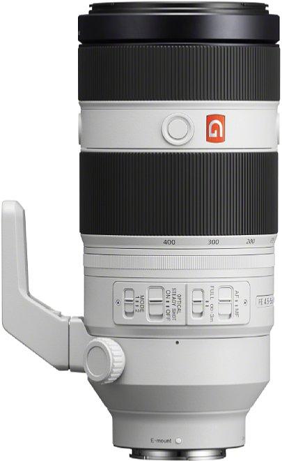 Bild Mit vier Schalter, drei (redundanten) Knöpfen und drei Einstellringen bietet das Sony FE 100-400 mm F4.5-5.6 GM OSS vielen Bedienelemente. [Foto: Sony]