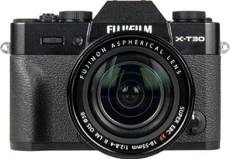 Bild Auch wenn wir das Fujifilm XF 18-55 mm F2.8-4 R LM OIS stets als gutes Setobjektiv empfehlen, bekleckerte sich unser Exemplar an der X-T30 nicht gerade mit Ruhm. [Foto: MediaNord]