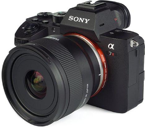 Bild Sony Alpha 7R III mit Tamron 20 mm F2.8 Di III OSD M1:2 (F050). [Foto: MediaNord]