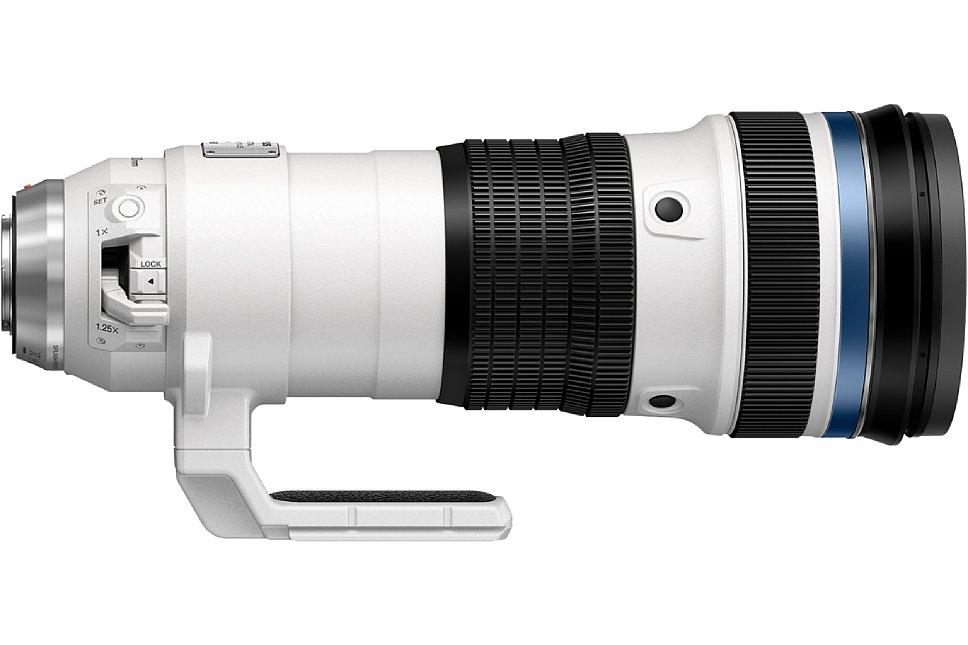 Bild Auf der anderen Seite des Olympus 150-400 mm 4.5 ED TC1.25x IS Pro kann der integrierte 1,25-fache Telekonverter aktiviert werden, mit dem sich eine kleinbildäquivalente Brennweite von 375-1.000 mm bei durchgehend F5,6 ergibt. [Foto: Olympus]