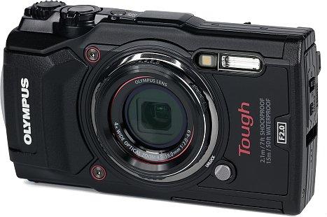 Bild Das Gehäuse der Olympus Tough TG-5 macht auch vom Design deutlich, dass diese Kamera einiges einstecken kann. [Foto: MediaNord]