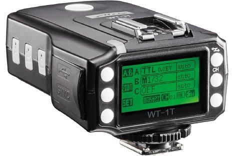 Bild Der WT-1T Transceiver besitzt neben einem großen Display einen TTL-Blitzschuh. [Foto: Metz]