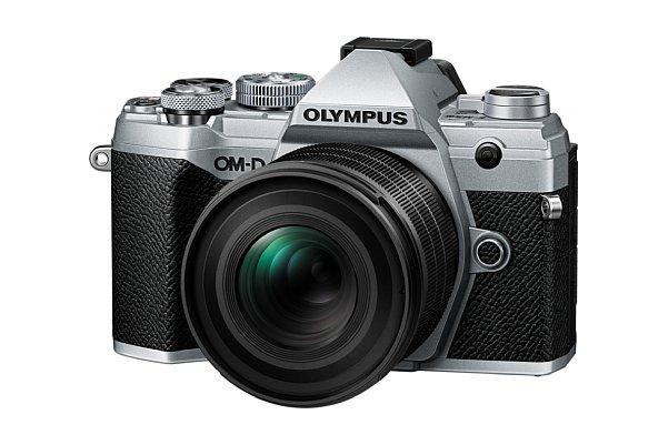 Bild Olympus OM-D E-M5 Mark III mit 20 mm F1.4 Pro. [Foto: Olympus]