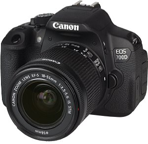 Canon EOS 700D mit EF-S 18-55 mm 3.5-5.6 IS STM [Foto: MediaNord]