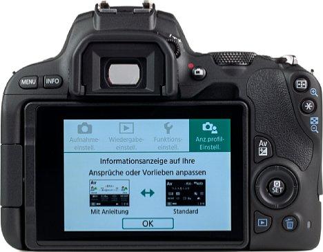 """Bild Der bewegliche 3"""" Touchscreen EOS 200D bietet einen großen Überblick über Aufnahmeparameter und Bildvorschau. [Foto: MediaNord]"""