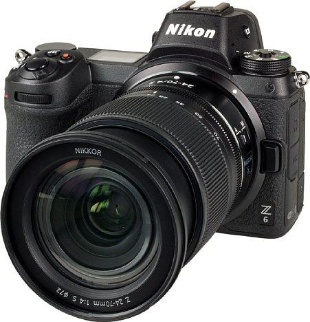 """Bild Das NikkorZ 24-70 mm F4 S ist ein """"expandable"""". Bereits für die Weitwinkelstellung muss es ein Stück weit ausgefahren werden. Zum Transport wird es eingefahren, sodass es dann möglichst kompakt ist. [Foto: MediaNord]"""
