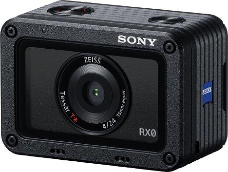 Bild Das Metallgehäuse der winzigen Sony DSC-RX0 ist sehr gut verarbeitet. Die gesamte Front mit dem Objektiv ist von einer Schutzscheibe abgedeckt. Prima gelöst: Im Falle einer Beschädigung der Front kann diese vom Benutzer selbst gewechselt werden. [Foto: Sony]