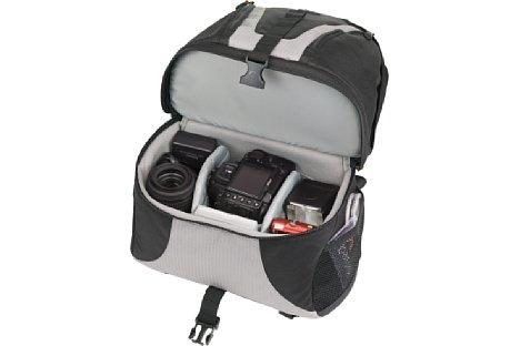 Bild Beim Lowepro Orion DayPack 200 gehört das Unterteil der Fotoausrüstung. Zum einfachen Zugang wird das Oberteil einfach nach hinten weggeklappt. [Foto: Lowepro ]