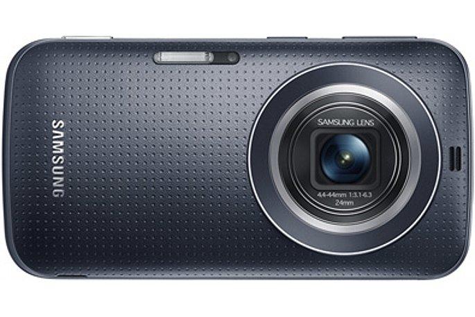 """Bild Das Samsung Galaxy K Zoom löst auf einem für Smartphones großen 1/2,3""""-Sensor 20,7 Megapixel auf. Die BSI-CMOS-Technologie sorgt für eine maximale Lichtausbeute. [Foto: Samsung]"""