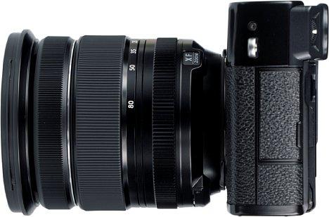 Bild Mit USB-C und einer kombinierten 2,5mm Mikrofon- und Fernauslösebuchse besitzt die Fujifilm X-Pro3 nur noch zwei Schnittstellen, die Blitzsynchronbuchse des Vorgängermodells gibt es nicht mehr, auch die HDMI-Schnittstelle ist weggefallen. [Foto: MediaNord]
