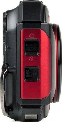 Bild Der zweistufige Öffnungsmechanismus schützt die Speicherkarte, den Akku und die USB-Schnittstelle vor Wasser und Staub. [Foto: MediaNord]
