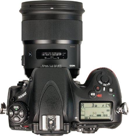 Bild Das Sigma Art 50 mm F1,4 DG HSM ist deutlich größer als das Nikon 50 mm 1,4G, aber kleiner als das Zeiss Otus 1,4/55. An der D800E jedenfalls macht das Sigma eine ausgewogene Figur. [Foto: MediaNord]
