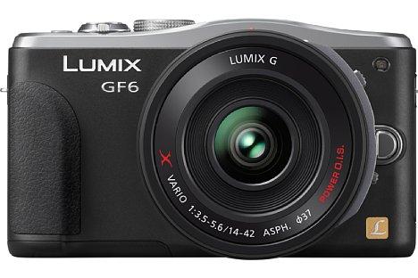 Bild Auf den ersten Blick fällt nicht gleich auf, dass die Panasonic Lumix DMC-GF6 drei Millimeter breiter aber zwei Millimeter weniger hoch ausfällt als noch das Vorgängermodell GF5. [Foto: Panasonic]