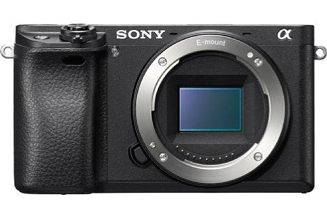 Bild Die Sony Alpha 6300 besitzt einen neuen 24 Megapixel auflösenden APS-C-Sensor mit Kupfertechnologie für eine höhere Lichtausbeute und schnellere Datenübertragung. [Foto: Sony]