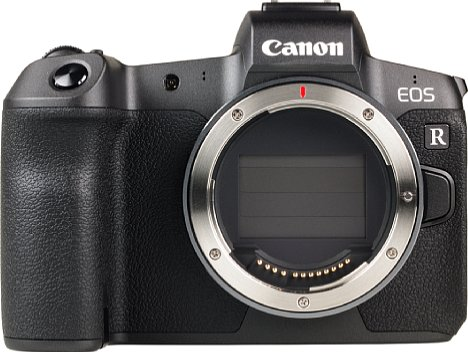 Bild 30 Megapixel löst der Vollformatsensor der Canon EOS R auf. Im ausgeschalteten Zustand wird er vom Verschluss geschützt, der selbst jedoch wiederum ein empfindliches Bauteil ist. [Foto: MediaNord]