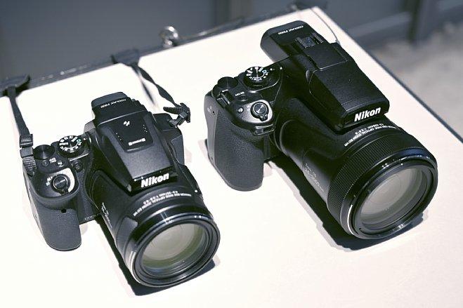 Bild Der Größenunterschied zwischen der Nikon Coolpix P900 (links) und der neuen P1000 (rechts) ist enorm, wie man auf diesem Vergleichsfoto sehen kann. [Foto: MediaNord]