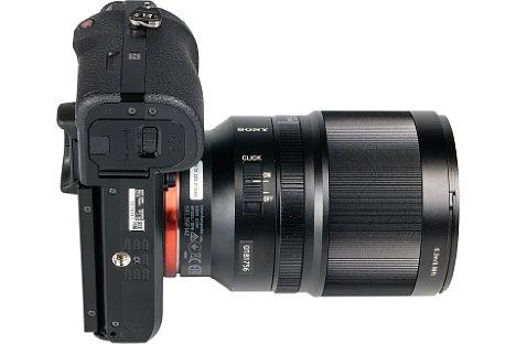 Bild Für Videoaufnahmen lässt sich die Blendensteuerung auf stufenlos umschalten und ermöglicht so sanftes Auf- und Abblenden im Film. [Foto: MediaNord]