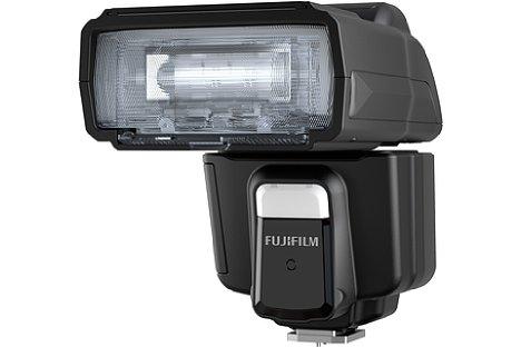 Bild Der mit einer Leitzahl von 60 leistungsstarke Fujifilm EF-60 kann per Funk auf 2,4 GHz ausgelöst werden. Er ist zum Nissin Air System kompatibel. [Foto: Fujifilm]