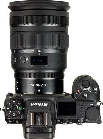 Bild Das Nikon Z 24-70 mm 1:2,8 S ist kürzer als sein DSLR-PendantAF-S 24-70 mm 2.8E ED VR, so dass die Kombination mit der Nikon Z 7 kompakter und leichter ausfällt als ein Äquivalent beispielsweise mit der Nikon D850. [Foto: MediaNord]