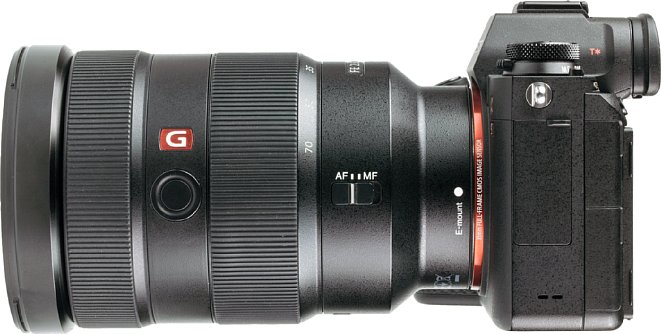 Bild Die wenigen Bedienelemente sitzen beimSony FE 24-70 mm F2.8 GM alle an der Seite. [Foto: MediaNord]