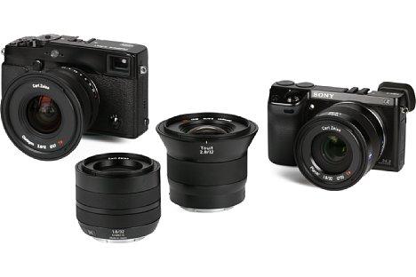 Bild Die ganze Gruppe, die sich in einem Koffer bei uns zum Test einfand. Von Links nach Rechts: Fujifilm X-Pro1 mit Zeiss Touit 12 mm, Zeiss Touit 32 mm, Zeiss Touit 12 mm und Sony NEX-7 mit Zeiss Touit 32 mm. [Foto: MediaNord]