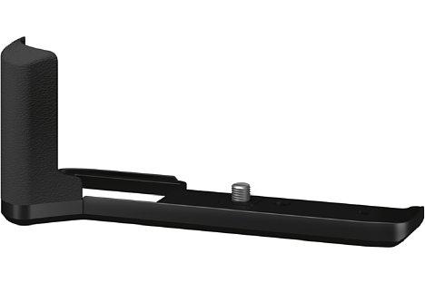 Bild Zur besseren Handhabung schwererer Teleobjektive bietet Fujifilm den Handgriff MHG-XPRO3 als optionales Zubehör an. Der Akku kann auch bei angesetztem Griff gewechselt werden. [Foto: Fujifilm]