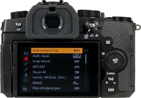 Bild Das Display auf der Rückseite ist dreh- und schwenkbar, und besitzt eine sehr präzise Touchfunktion. [Foto: MediaNord]