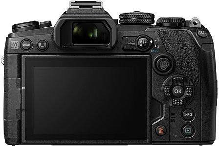Den 20-Megapixel auflösenden Four-Thirds-Sensor samt 7 EV effektivem Bildstabilisator erbt die Olympus OM-D E-M1 Mark III von der E-M1X. [Foto: Olympus]