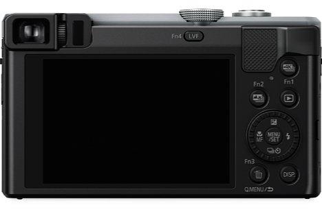 Bild Wie das Vorgängermodell TZ71 bietet auch die Panasonic Lumix DMC-TZ81 einen 0,46-fach vergrößernden elektronischen Sucher mit 1,2 Millionen Bildpunkten Auflösung. Beim 7,5-Zentimeter-Bildschirm handelt es sich nun um einen Touchscreen. [Foto: Panasonic]