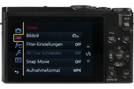 Bild Der 7,5 Zentimeter große Touchscreen der Panasonic Lumix DMC-LX15 lässt sich um bis zu 180 Grad nach oben klappen, was nicht nur bodennahe Aufnahmen, sondern auch Selfies erlaubt. [Foto: MediaNord]