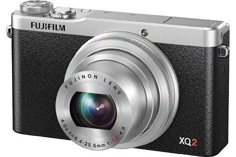 Bild Die Fujifilm XQ2 ist mit der XQ1 technisch nahezu identisch, auch das hochwertige Metallgehäuse ist dasselbe, so dass bisheriges Zubehör wie das Unterwassergehäuse weiterhin passt. [Foto: Fujifilm]
