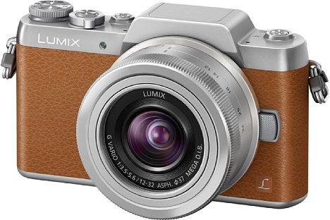 Bild Die Panasonic Lumix DMC-GF7 ist ab März 2015 wahlweise in Silber-Braun oder Silber-Schwarz erhältlich. Das Setobjektiv 12-32mm 3.5-5.6 OIS gehört zum Lieferumfang.. [Foto: Panasonic]