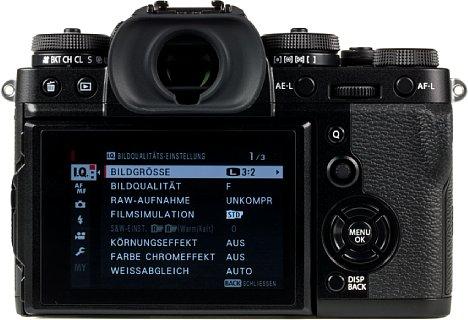 Bild Die Fujifilm X-T3 bietet nicht nur einen sehr hellen, beweglichen Touchscreen, sondern auch einen hervorragenden, hochauflösenden und schnellen elektronischen Sucher. [Foto: MediaNord]