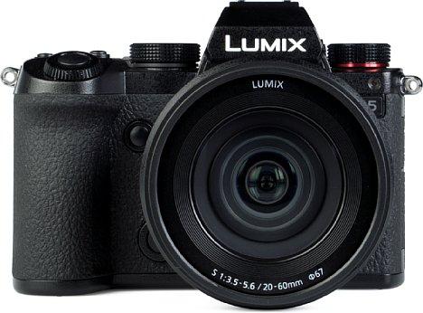 Bild 4K-Videos nimmt die Panasonic Lumix DC-S5 bei 60 Bildern pro Sekunde 30 Minuten lang am Stück auf, bei weniger als 50 Bildern pro Sekunde oder niedrigerer Auflösung ist die Videoaufnahmelänge sogar unbegrenzt. [Foto: MediaNord]