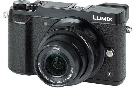 Bild Die Panasonic Lumix DMC-GX80 sieht der GX8 zwar recht ähnlich, besitzt aber ein kompakteres Gehäuse, das aus sehr gut verarbeitetem Kunststoff besteht. [Foto: MediaNord]