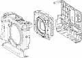 Fujifilm GFX100 Gehäuseaufbau: Links die Front und das obere Gehäuseteils, in der Mitte das zweiteilige innere Gehäuse, rechts die Rückwand. [Foto: Fujifilm]