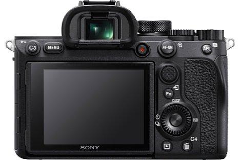 """Bild Der Bildschirm der """"alten"""" Sony Alpha 7R IV löst 1,44 Millionen Bildpunkte auf und besitzt einen """"Sony""""-Schriftzug am unteren Rand. [Foto: Sony]"""