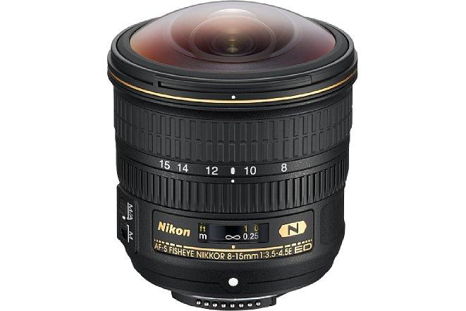 Bild Die Frontlinse desNikon AF-S 8-15 mm 1:3.5-4.5E ED Fisheye wölbt sich stark nach außen. Frontfilter können nicht verwendet werden, bajonettseitig ist jedoch ein Filterfolienhalter zu finden. [Foto: Nikon]