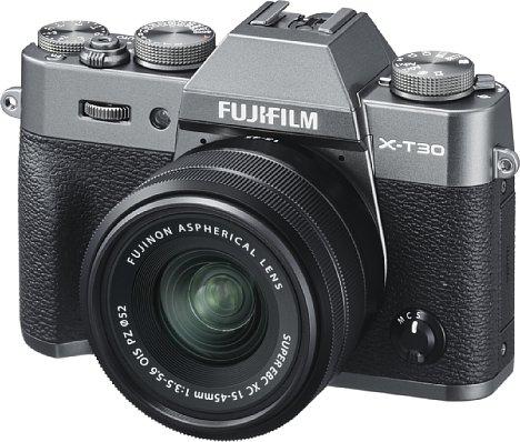 Bild Die Fujifilm X-T30 bietet denselben 26 Megapixel auflösenden CMOS-Sensor wie die X-T3, auch der Autofokus mit 2,16 Millionen Phasendetektionspixeln wurde übernommen. [Foto: Fujifilm]