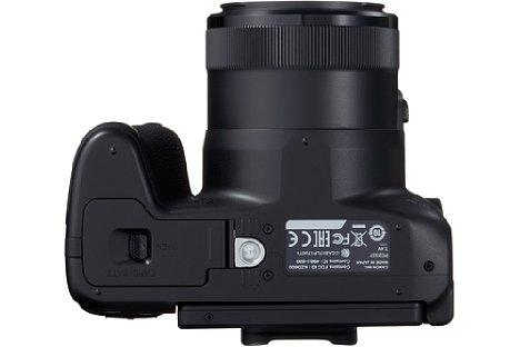 Bild Das Stativgewinde der Canon PowerShot SX70 HS liegt außerhalb der optischen Achse. [Foto: Canon]
