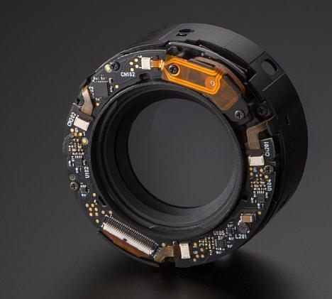 Bild Der praktische Bildstabilisator sorgt im Tamron SP 45 mm F1.8 Di VC USD dafür, dass man auch etwas längere Belichtungszeiten als 1/50 Sekunde aus der Hand halten kann, ohne dass das Bild verwackelt. [Foto: Tamron]