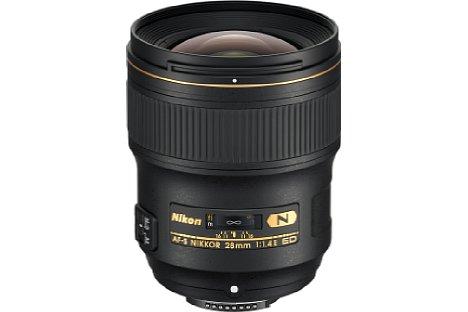 Bild Die Frontlinse des Nikon AF-S 28 mm 1:1.4E ED lässt sich dank der Fluorvergütung leicht reinigen. [Foto: Nikon]