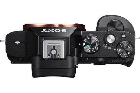 Bild Ohne Objektiv und Zubehör ist die Sony Alpha 7S äußerst kompakt. [Foto: Sony]