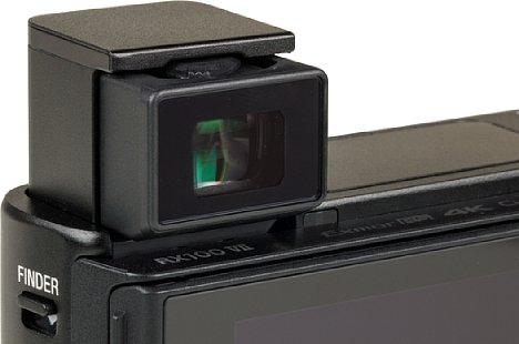 Bild Der elektronische Sucher der Sony RX100 VII schnellt nach dem Entriegeln automatisch nach oben und löst mit 2,36 Millionen Bildpunkten ordentlich auf. [Foto: MediaNord]