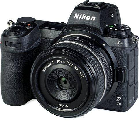 Bild Das Nikon Z 28 mm F2.8 SE ist zwar das Kit-Objektiv der APS-C-Kamera Z fc, aber es handelt sich um eine Kleinbild-Festbrennweite, die wir daher an der Vollformatkamera Z 7II testen werden. [Foto: MediaNord]
