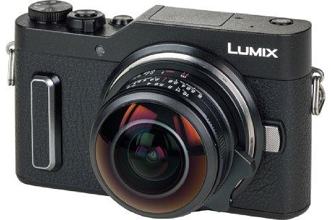 Bild Wie klein das Laowa 4 mm F2,8 Circular Fisheye ist, zeigt sich an der Panasonic DC-GX880, der aktuell kompaktesten Micro-Four-Thirds-Kamera. [Foto: MediaNord]