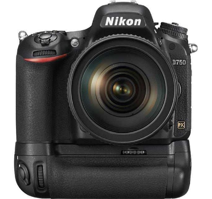 Bild Der optionale Batteriegriff MB-D16 verbessert nicht nur die Ergonomie der Nikon D750 bei Hochformataufnahmen, sondern verlängert auch die Akkulaufzeit. [Foto: Nikon]