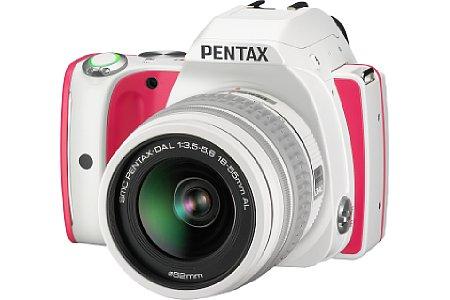 Bild In Rot-Weiß soll die Pentax K-S1 an Strawberry Cake erinnern. [Foto: Ricoh]